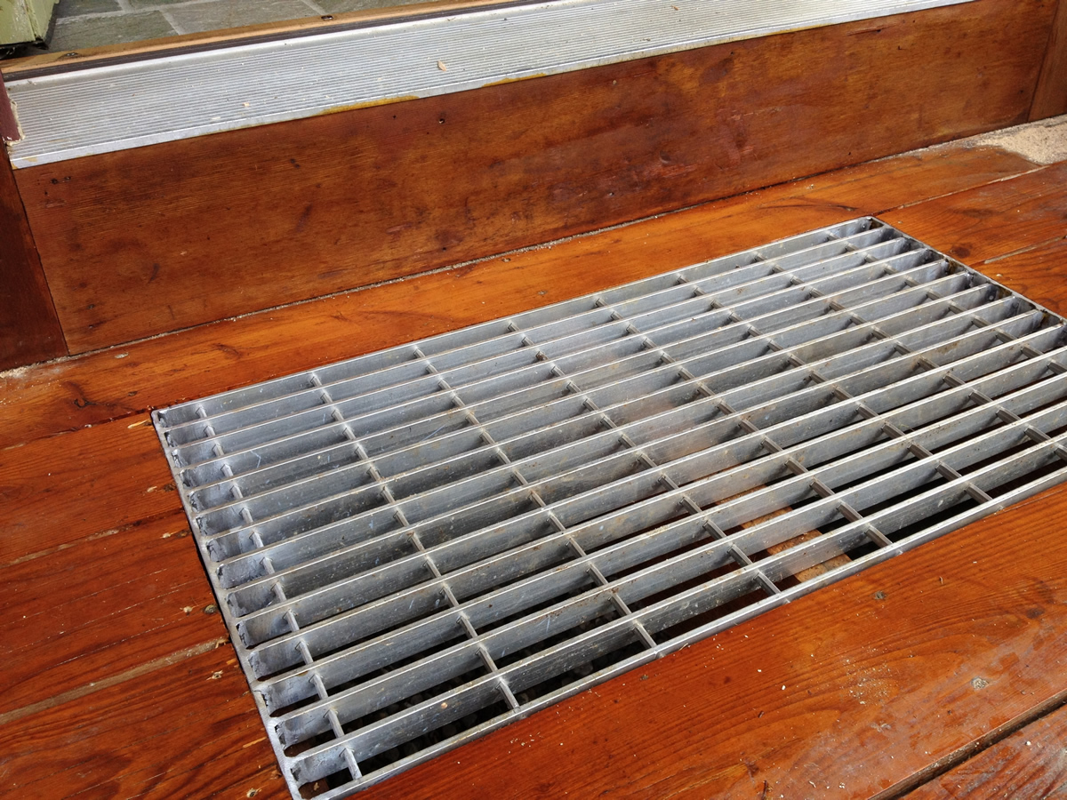Installing A Snow Grate On The Front Door Vermont Style